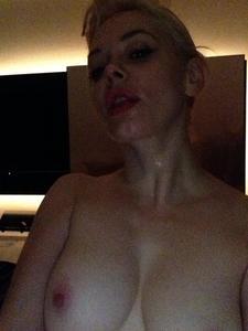 Rose-McGowan-%E2%80%93-Personal-Naked-Leaked-Pics-o5mksdcxda.jpg