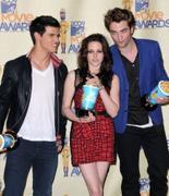 Kristen Stewart-Taylor Lautner -Robert Pattinson pictures