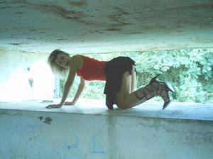 http://img260.imagevenue.com/loc188/th_107186446_Sensual_saggy_Nina_gets_horny_when_flashing_in_nature_8_123_188lo.jpeg