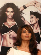 Бипаша Басу, фото 62. Bipasha Basu Launch of 'Love Yourself: Fit & Fabulous You' Fitness DVD in New Delhi on February 5, 2010, foto 62