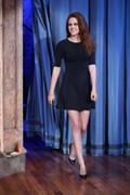 http://img260.imagevenue.com/loc556/th_451561901_Kristen_Stewart_Late_Night_with_Jimmy_Fallon3_122_556lo.jpg